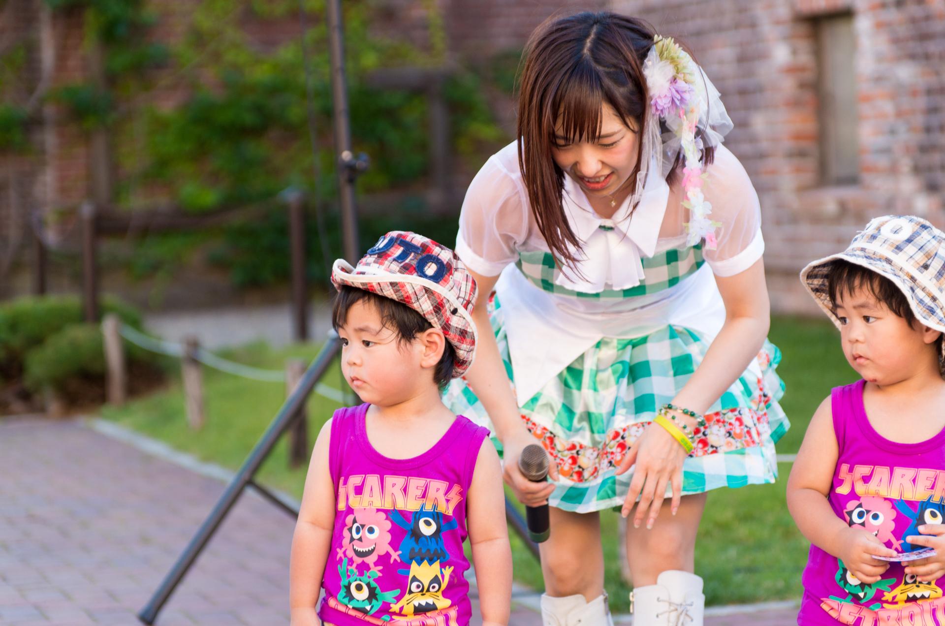 フルーティー♡ おばち ( 小原優花 )   アリオ札幌野外ライブ